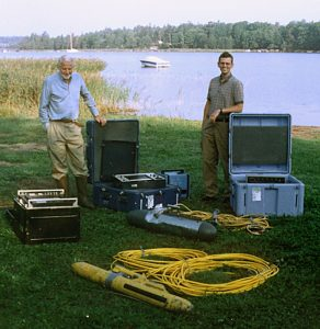 Bengt Nilsson (left) and Ulf Erlingsson (author) in Örserumsviken, Västervik, Sweden, 1999.